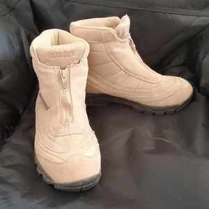 Tan suede winter hiking boot